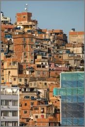 Favela b